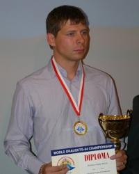 Русские шашки, чемпион мира 2015 - Сергей Белошеев