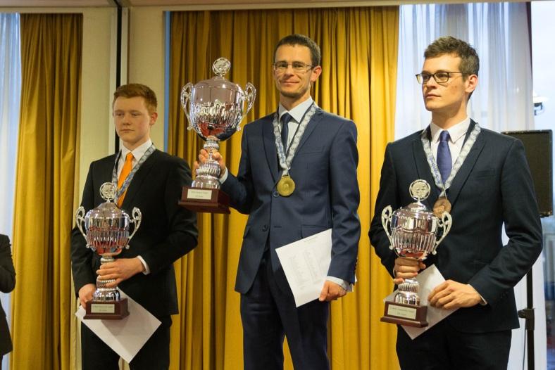 Александр Георгиев выиграл чемпионат мира 100