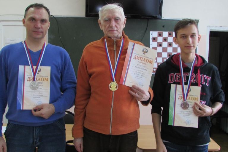 Призёры чемпионата России по обратной игре в шашки 2016