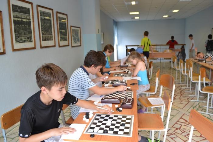 Первенство Приволжского федерального округа по решению шашечных композиций 2016