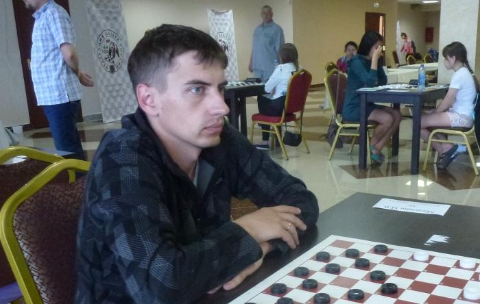 Чемпионат России по стоклеточным шашкам 2017 - победитель Максим Мильшин