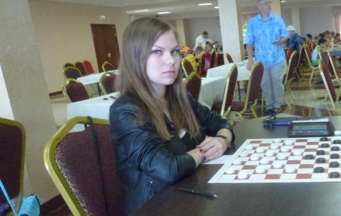 Чемпионат России по стоклеточным шашкам 2017 - победительница Ника Леопольдова