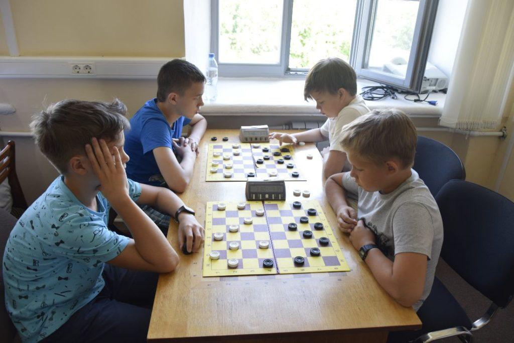 Стартовало Первенство ПФО по русским и стоклеточным шашкам