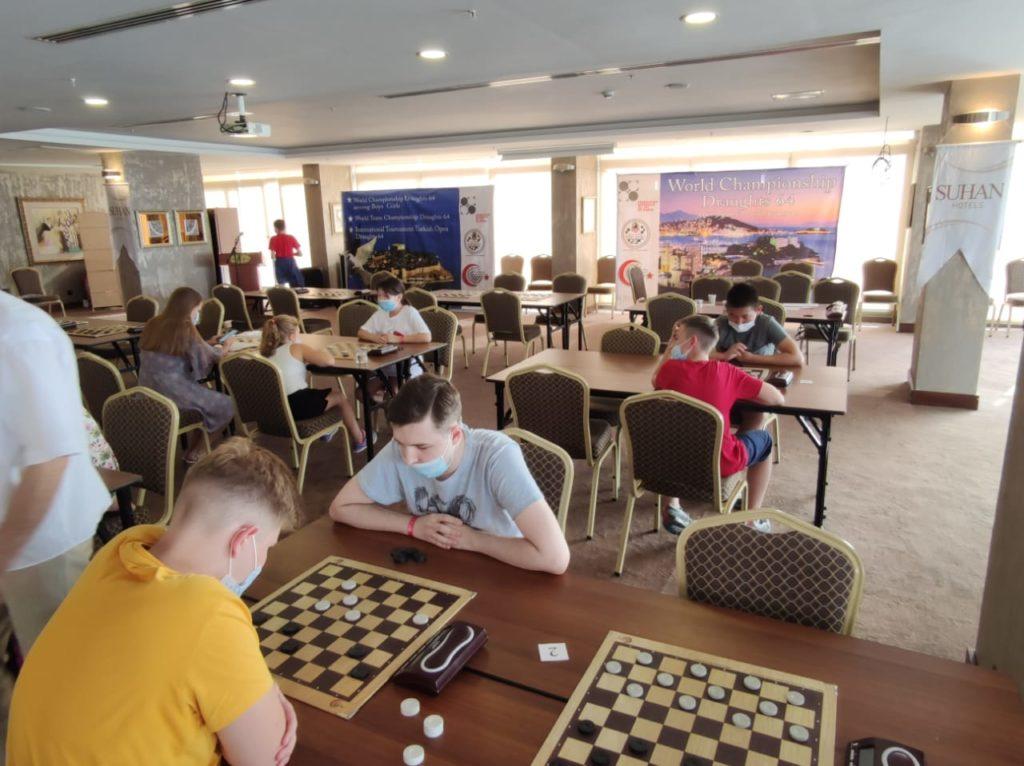 Первенство мира по шашкам-64