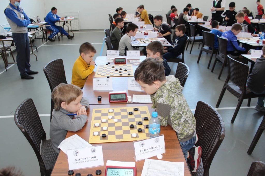 Первенство России по русским шашкам 2021 (младшие возраста)