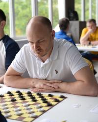 Стоклеточные шашки, чемпион России 2021 - Иван Трофимов